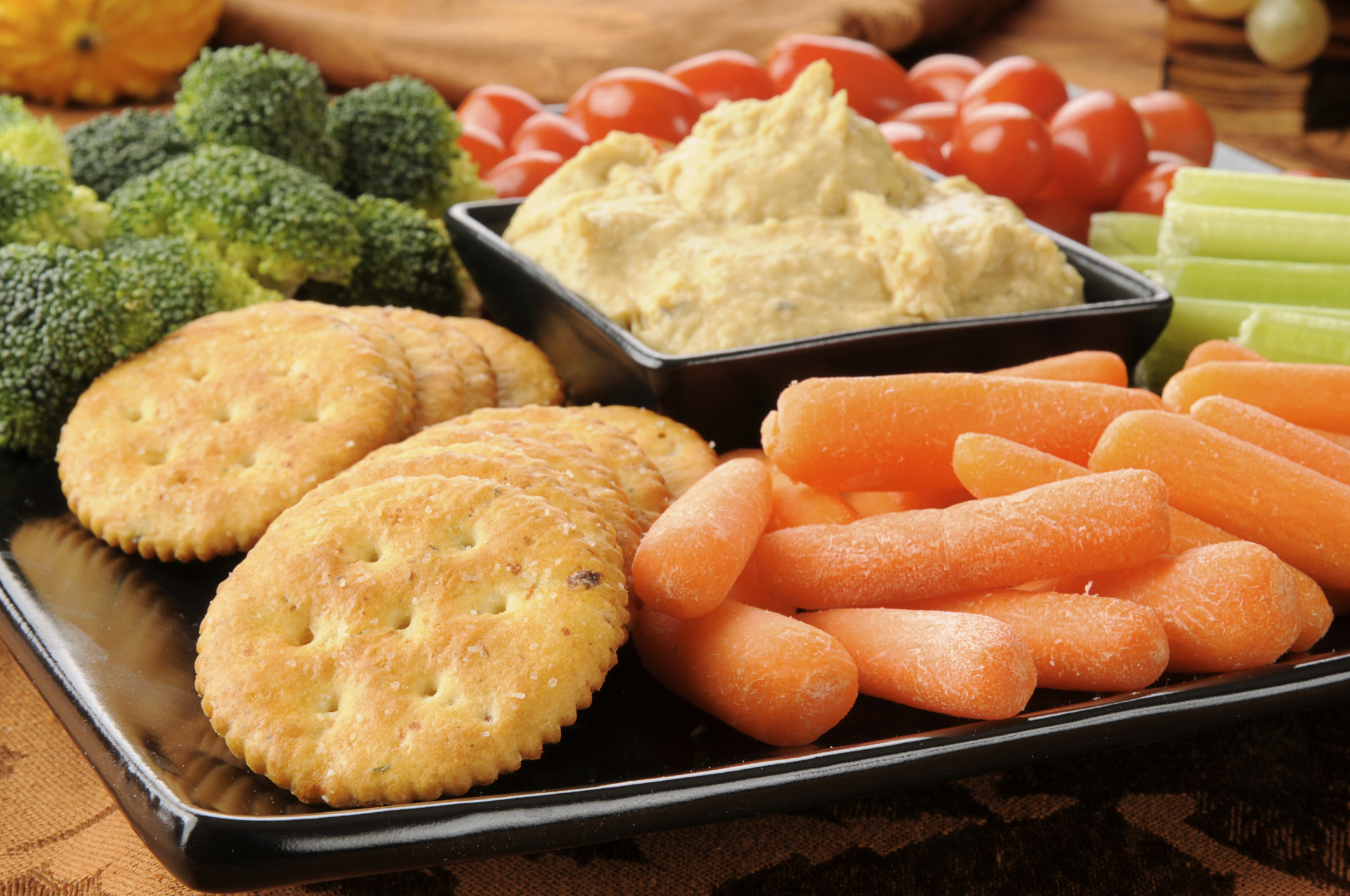 Watch Healthy Snacks With 100 Calories or Less video